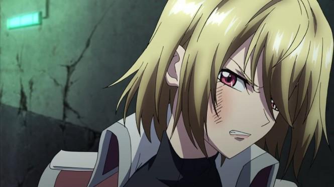Até depois de tomar um tapa, a Ange ainda consegue seduzir com as caras delas. PAREI